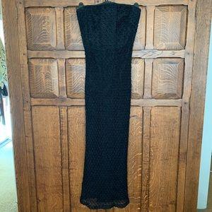 Stunning Carmen Marc Valvo Strapless Gown